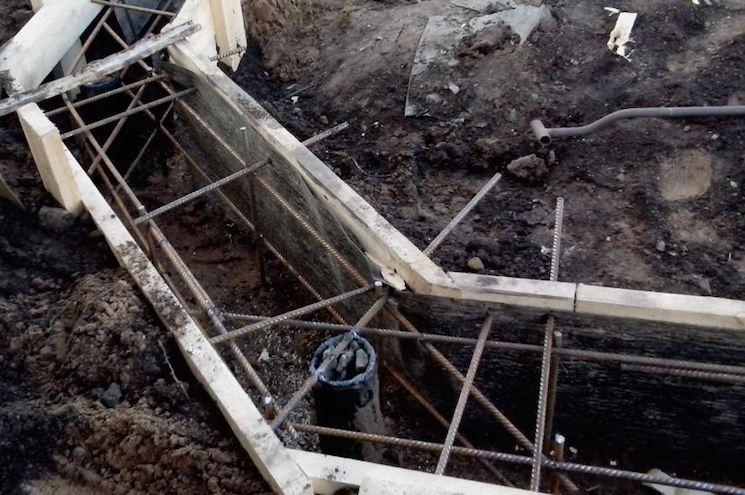 Обвязка винтовых свай бетонным ростверком