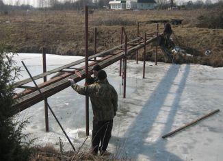 Небольшой мост на винтовых сваях