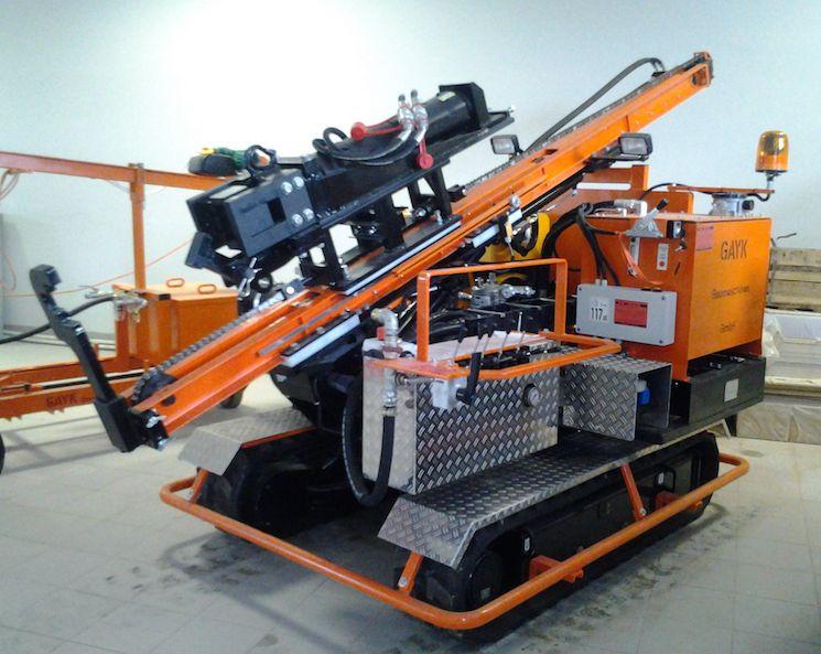 Гидравлическая сваебойная установка GAYK HRE 1000 в сложенном состоянии