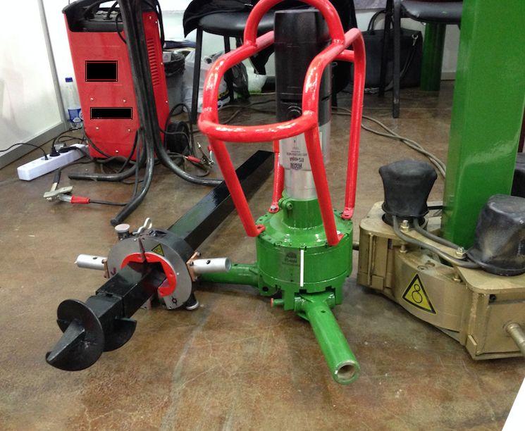 Машина для установки винтовых свай Айрон-219